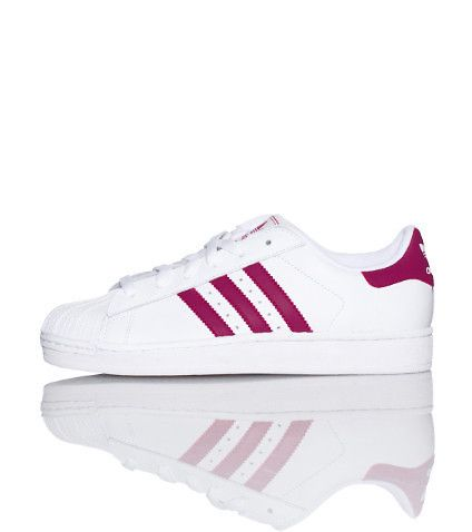 adidas Lace front closure Shell toe design sneaker Low top Padded tongue  with logo Signature stripes