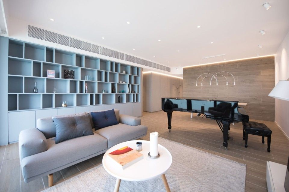 Hong Kong. A curvy apartment inspired by a waterfall