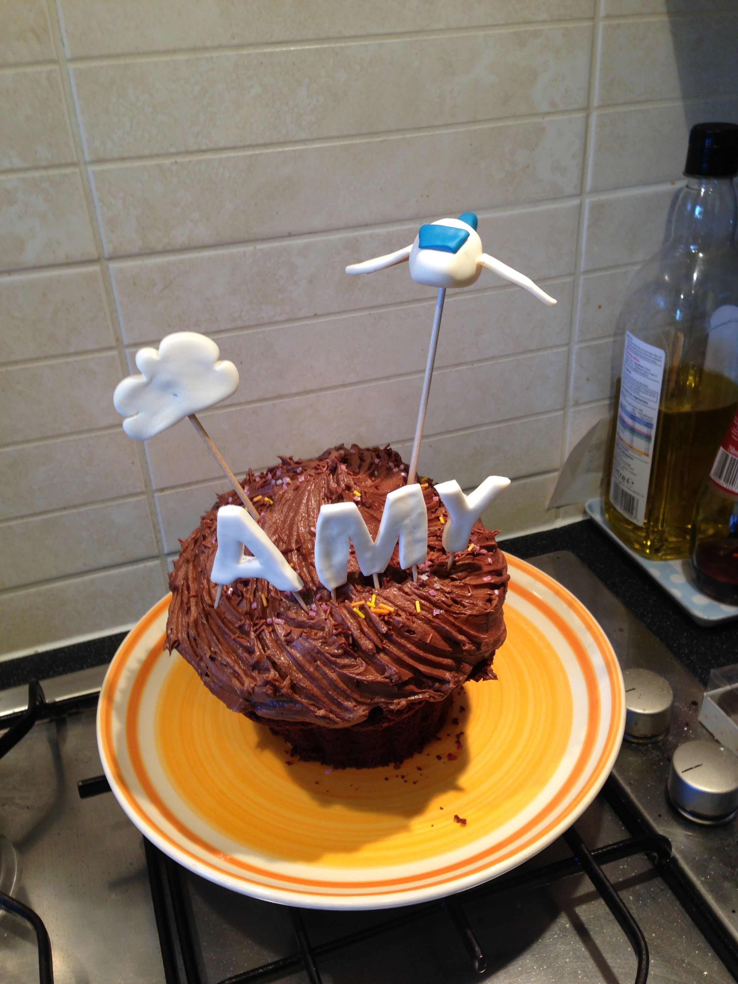 Giant cupcake cake with areoplane giant cupcake cakes