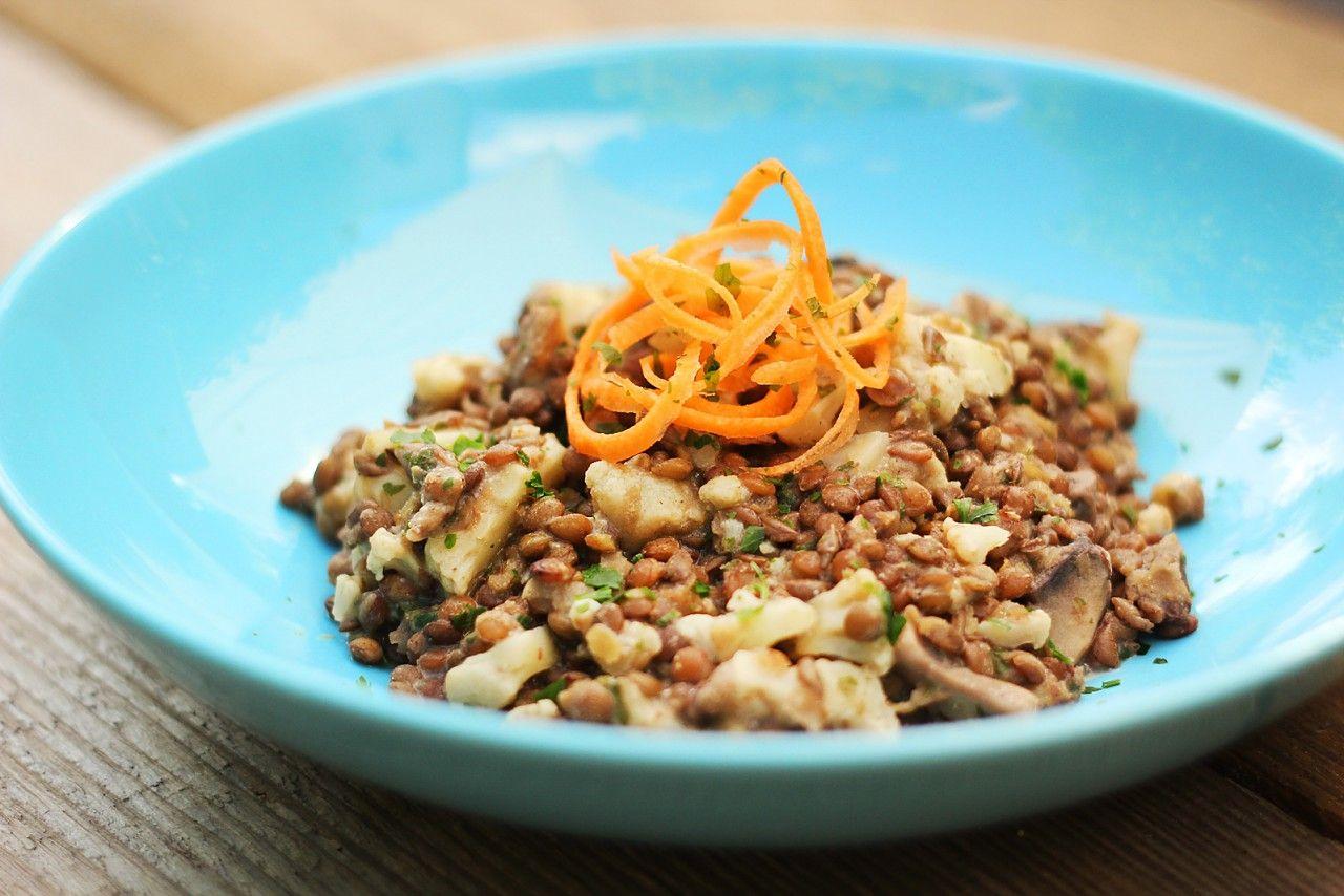 Lisen-Blumenkohl-Teller mit Pilzen und Soja-Joghurt-Dip / vegan