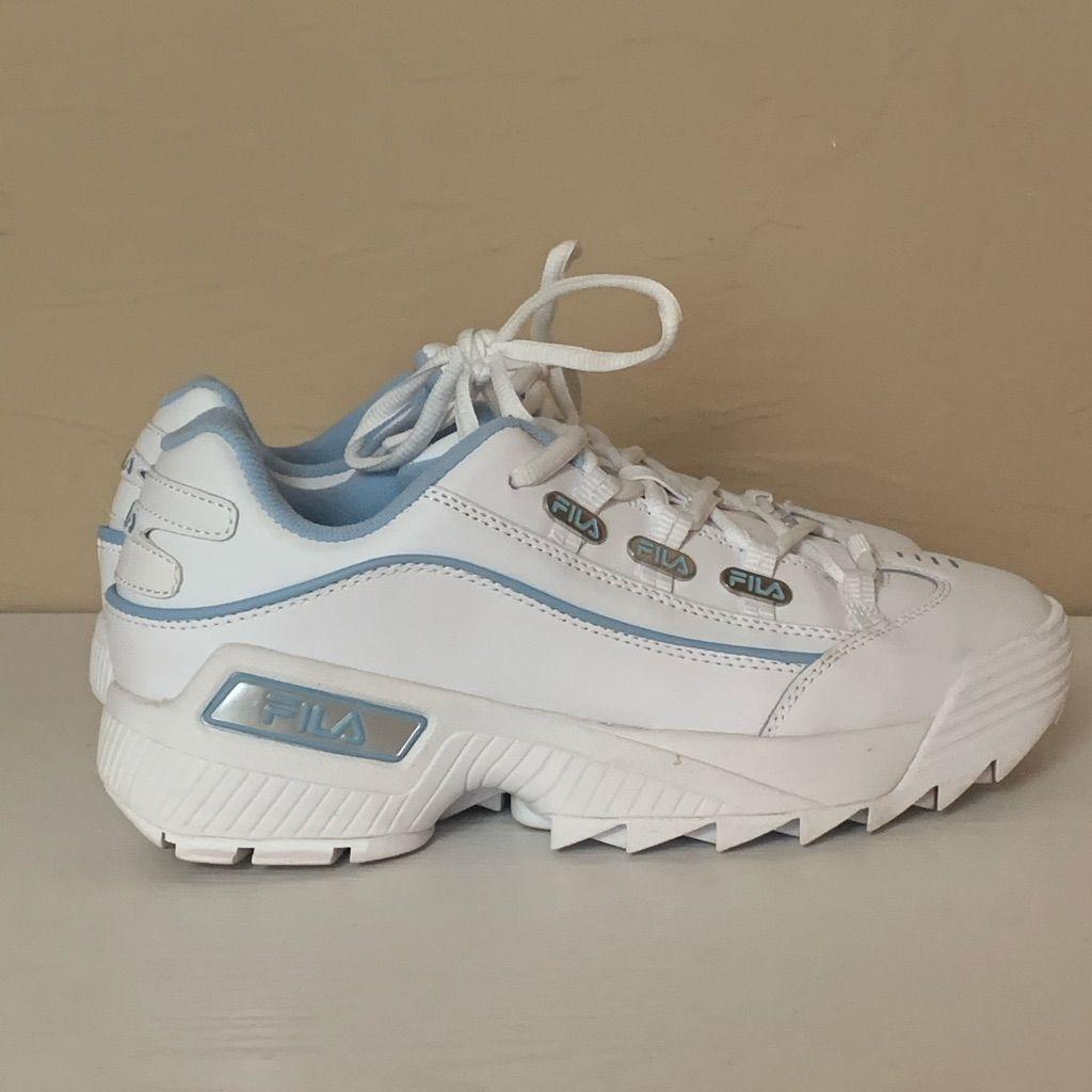 Fila Shoe Fila Shoes Womens Fila Tennishoes Color Blue White Size 9 5 In 2020 Fila Trends