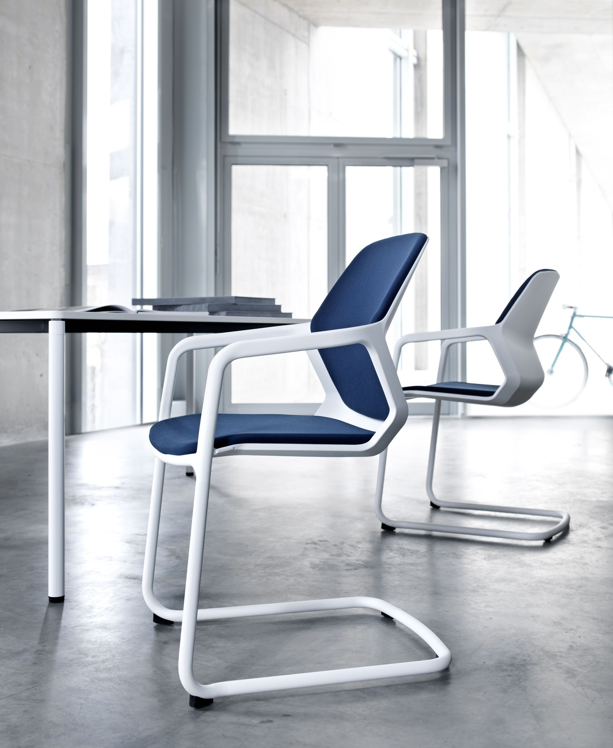 GRAPH conference chair snow white Design by jehs laub