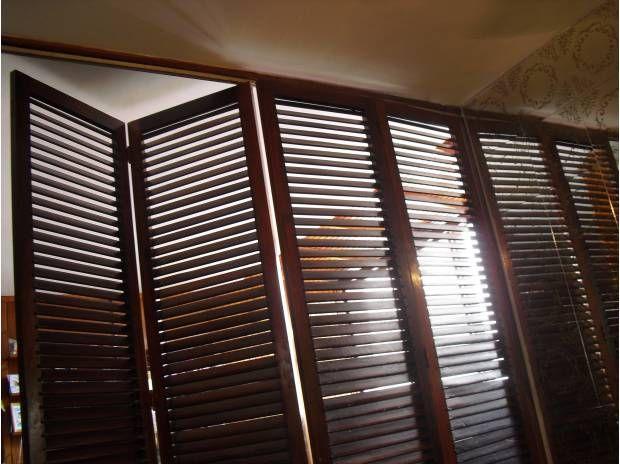 Venta de puertas de madera de romanilla por bsf 700 for Puertas para closet de madera