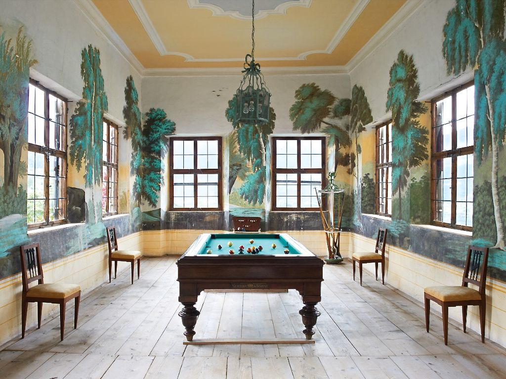 chicest billiard room, cherbourg castle, photo gianni