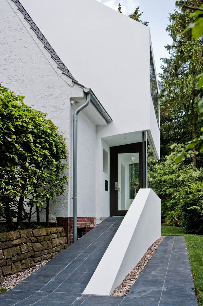 One: One Architects Hamburg – extension to a settler's house  – Häuser