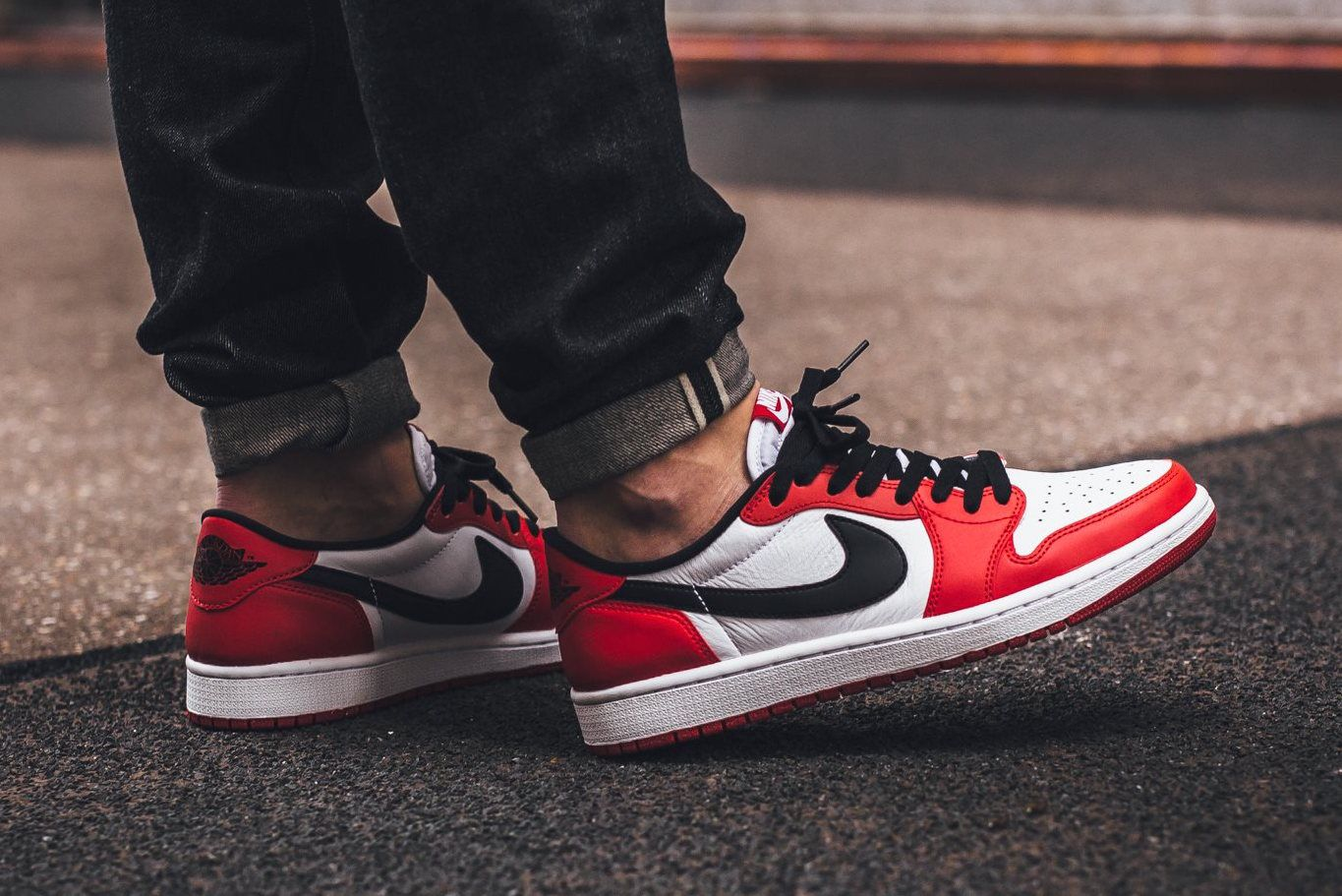 Otoño ocio Tomar represalias  On-Feet Look At The Air Jordan 1 Low OG Chicago • KicksOnFire.com | Air  jordans, Air jordans retro, Sneakers fashion