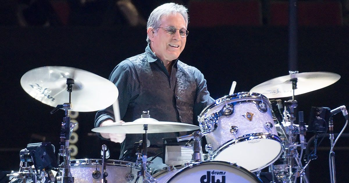 Max Weinberg Talks 43 Years With Bruce Springsteen Health Scares Bruce Springsteen E Street Band Bruce
