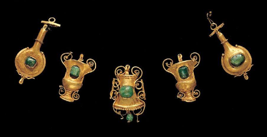 Set of gold necklace pendants, Greek, ca 1-100 A.D.