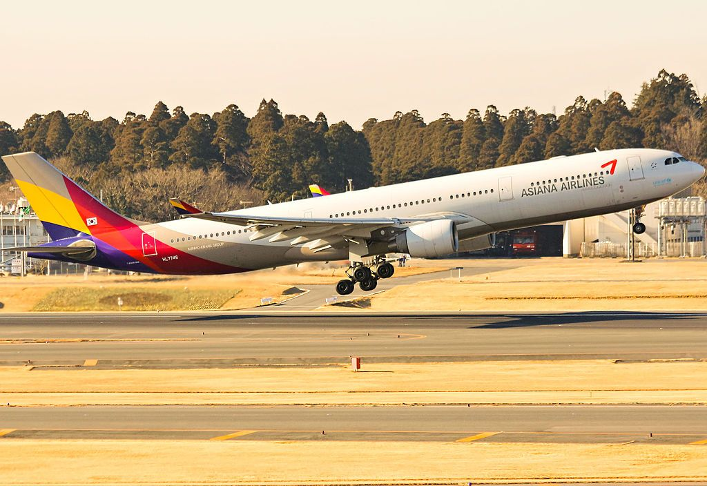 Asiana Airlines Fleet Airbus A330300 Details and Pictures