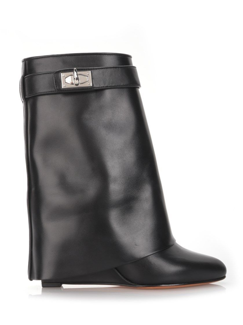 GIVENCHY 'Shark Lock' Boots. #givenchy #shoes #boots