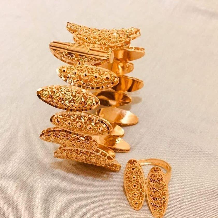 اسوارة مع خاتمها مميزة وانيقة من مجوهرات الذوق الرفيع محل رقم 9 J Alzouq Alrafea 9 J Alzouq Alrafea 9 J Alzouq Alrafea 9 للتواصل و Brooch Jewelry Fashion
