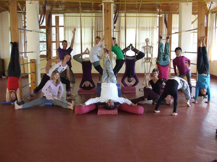 Happy Yogis after 6 Weeks intensiv Iyengar Praxis. You ...