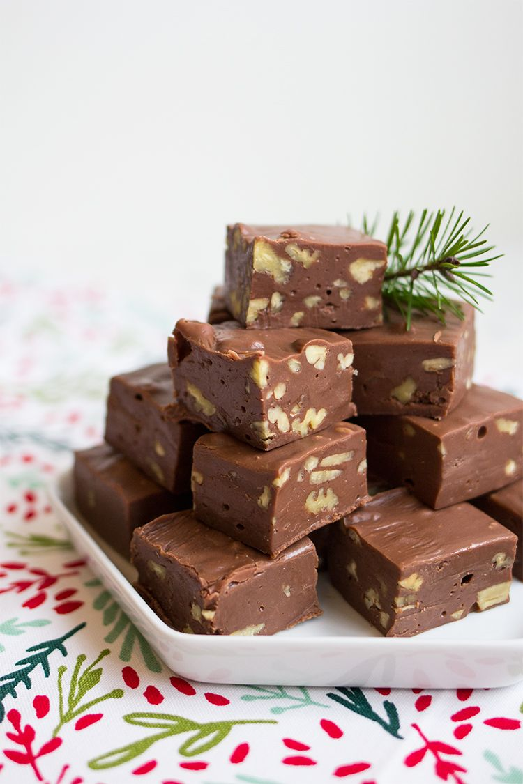 Easy Old Fashioned Chocolate Pecan Fudge Made With Sweetened Condensed Milk Chocolate And Walnuts A Delicious Hom Pecan Fudge Recipe Fudge Recipes Fudge Easy