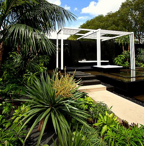 Canary Islands Spa Garden - Chelsea Flower Show 2009 by Amphibian Designs - James Wong & David Cubero, via Flickr