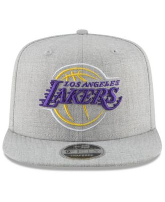 pretty nice 2d199 35dd0 New Era Los Angeles Lakers Logo Trace 9FIFTY Snapback Cap - Gray Adjustable
