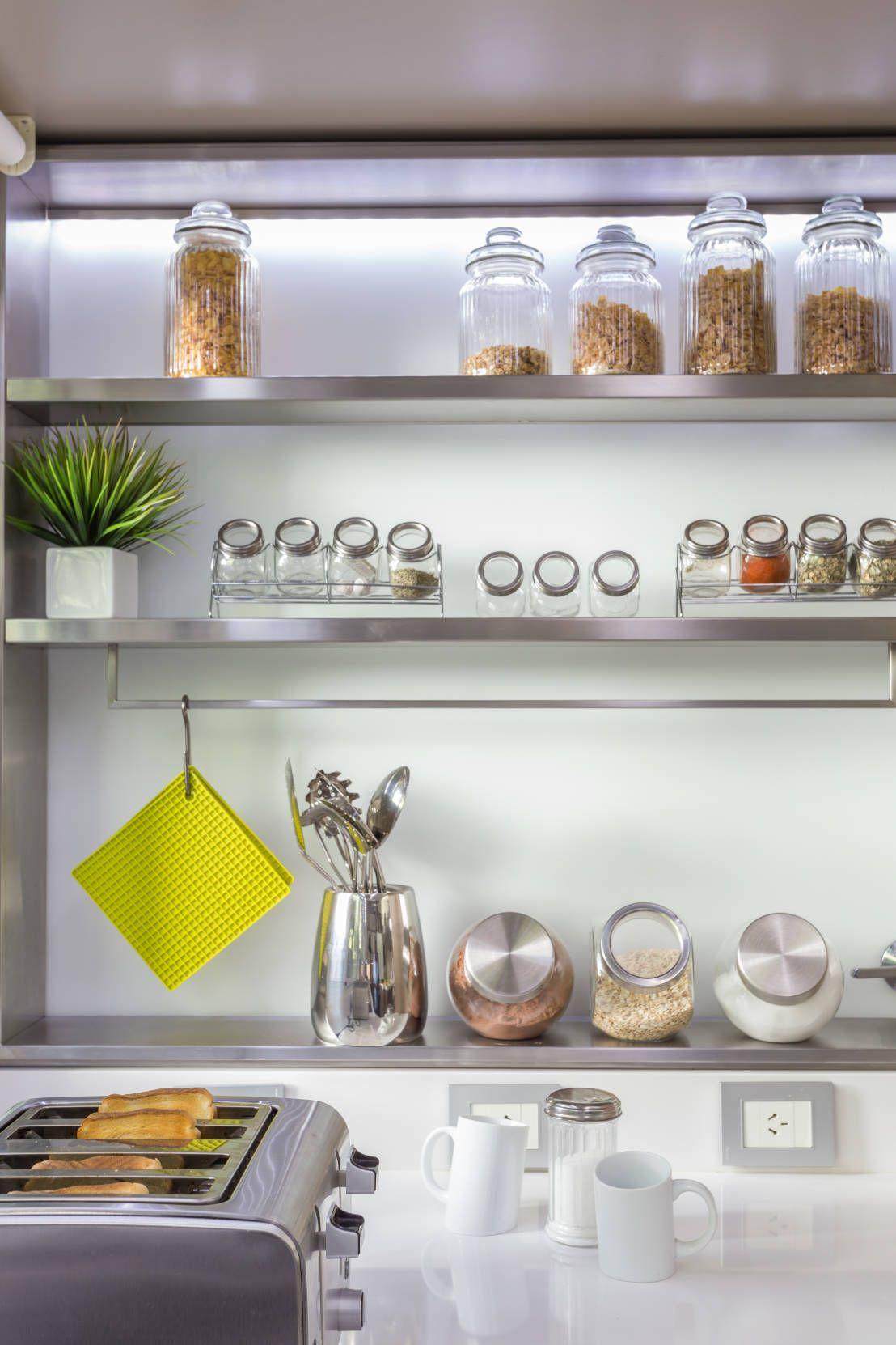 Los mil y un estantes para cocinas que lo muestran todo - Estanterias de cocina ...