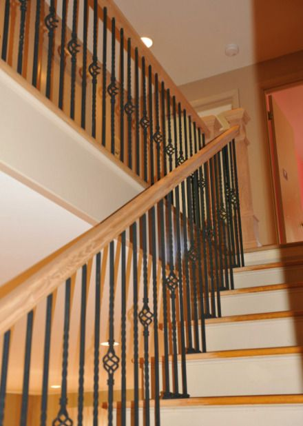 Best Red Oak Staircase And Wrought Iron Railing Oak Stairs 640 x 480