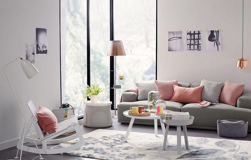 salon en couleur pastel canapé gris et coussins corail pâle Idées - decoration salon en gris