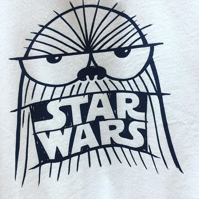 Chewie is that you?!?! Star Wars tee at @uniqlousa #starwarsfan Uniqlo x Star Wars . . #disneystyleblog #disneystyle #disney #disneyaddict #disneyfashion #disneyfan #disneyside #disneyland #disneylove #starwars #chewbacca #uniqlodisney #uniqlostarwars