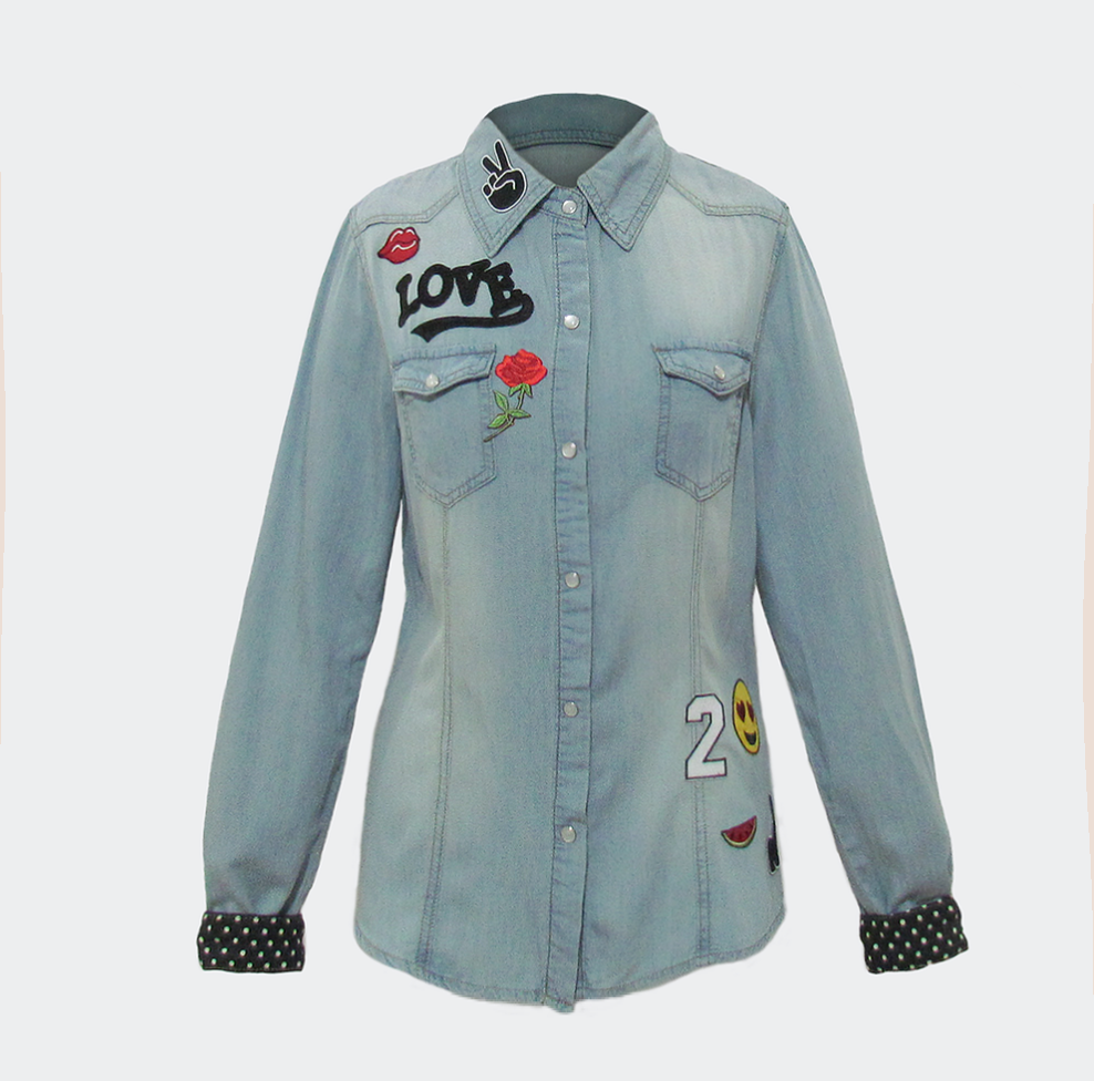 Camisa Jeans com Patches