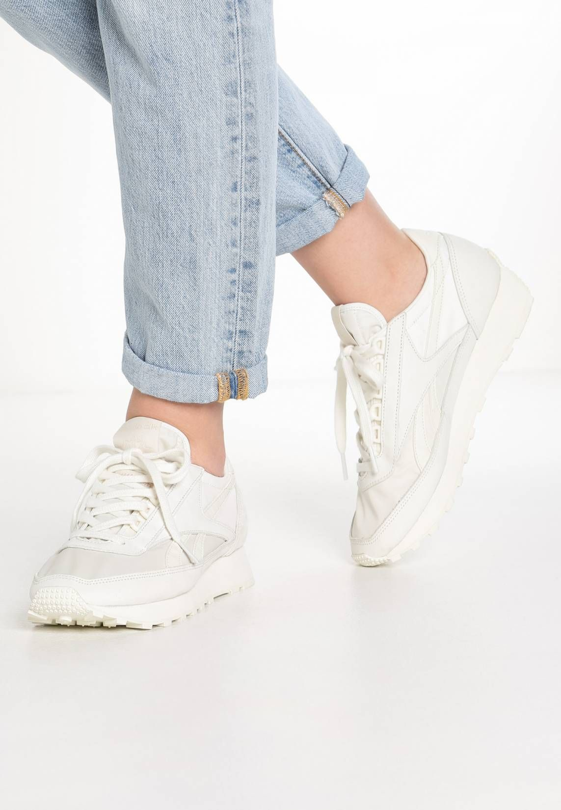 e7a08102b0d Reebok Classic. AZTEC FBT SUEDE - Sneakers laag - white/rose gold. voering