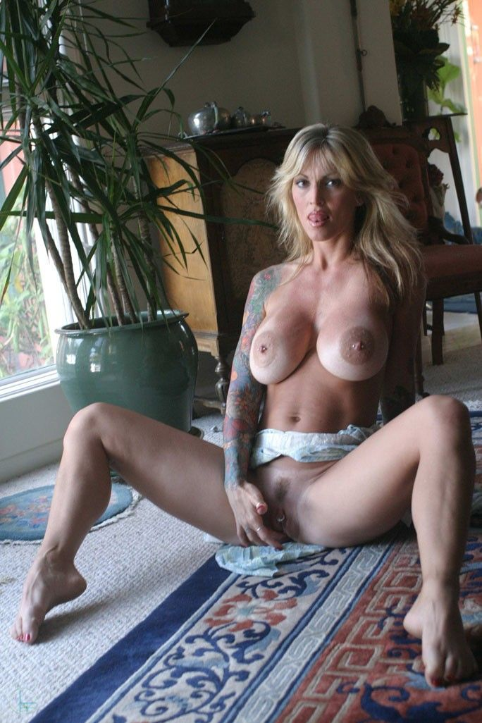 tattooed milf