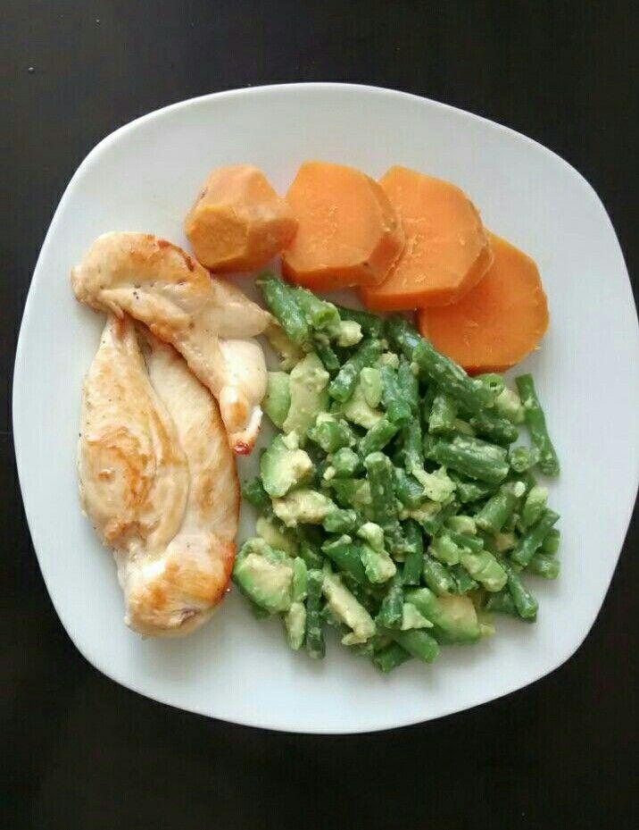 Dieta a base de pollo pescado y verduras