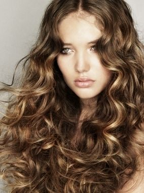 Golden Brown With Golden Blonde Highlights Permed Hairstyles Perfect Hair Color Haircuts For Curly Hair