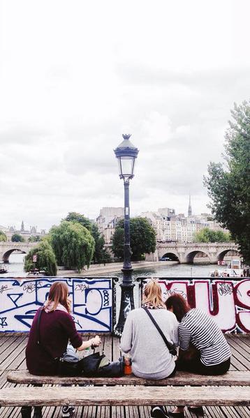 Credit photo : @maybe_v #Paris #Pontdesarts #Parisjetaime