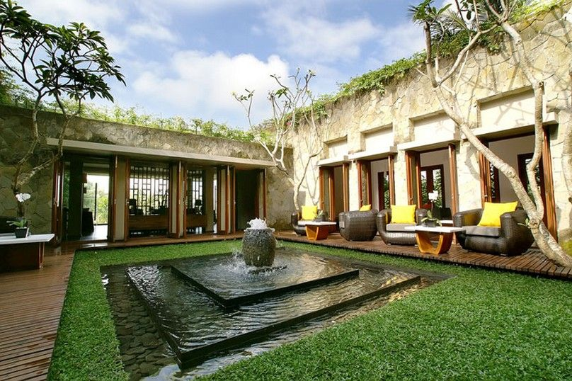 Gorgeous Courtyard. I Like The Cozy Seating Area On The Side And