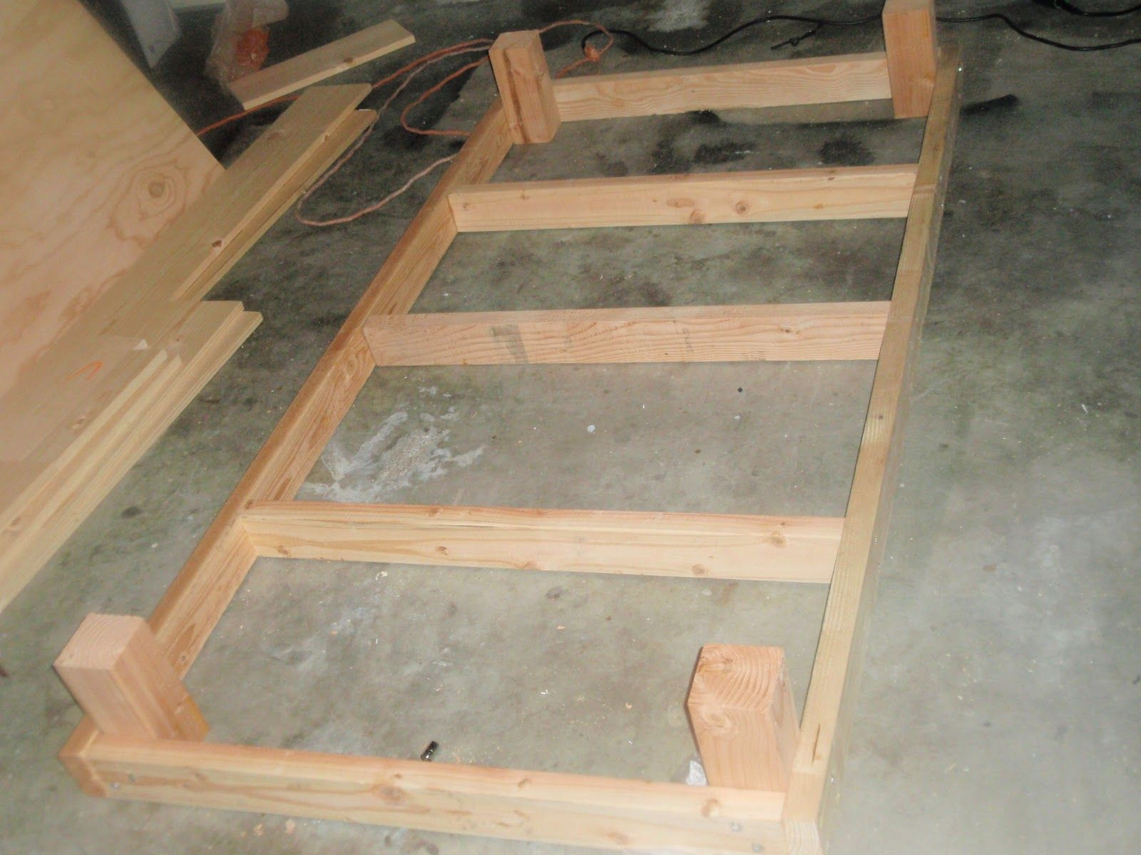 Build a twin platform bed frame easy woodworking for Simple diy platform bed