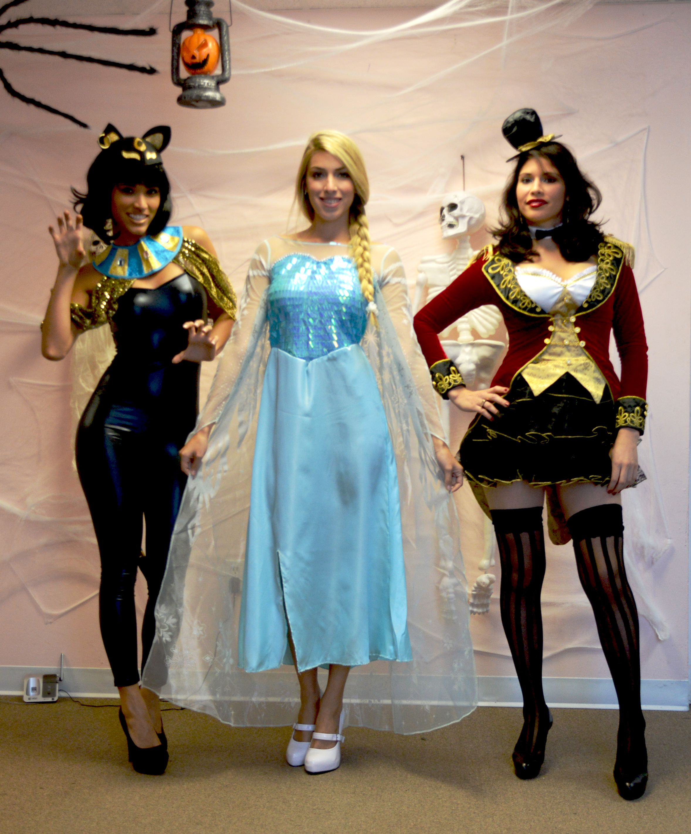 three of the most popular costume for halloween this year  sc 1 st  Pinterest & three of the most popular costume for halloween this year   Deco ...