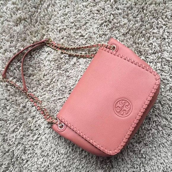 ead9d7383864 Tory burch Marion small flap shoulder bag Holds a large wallet