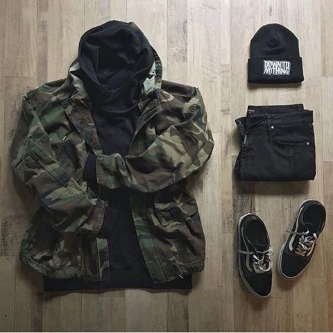 Outfit grid Camo jacket   Moda masculina casual, Roupas de