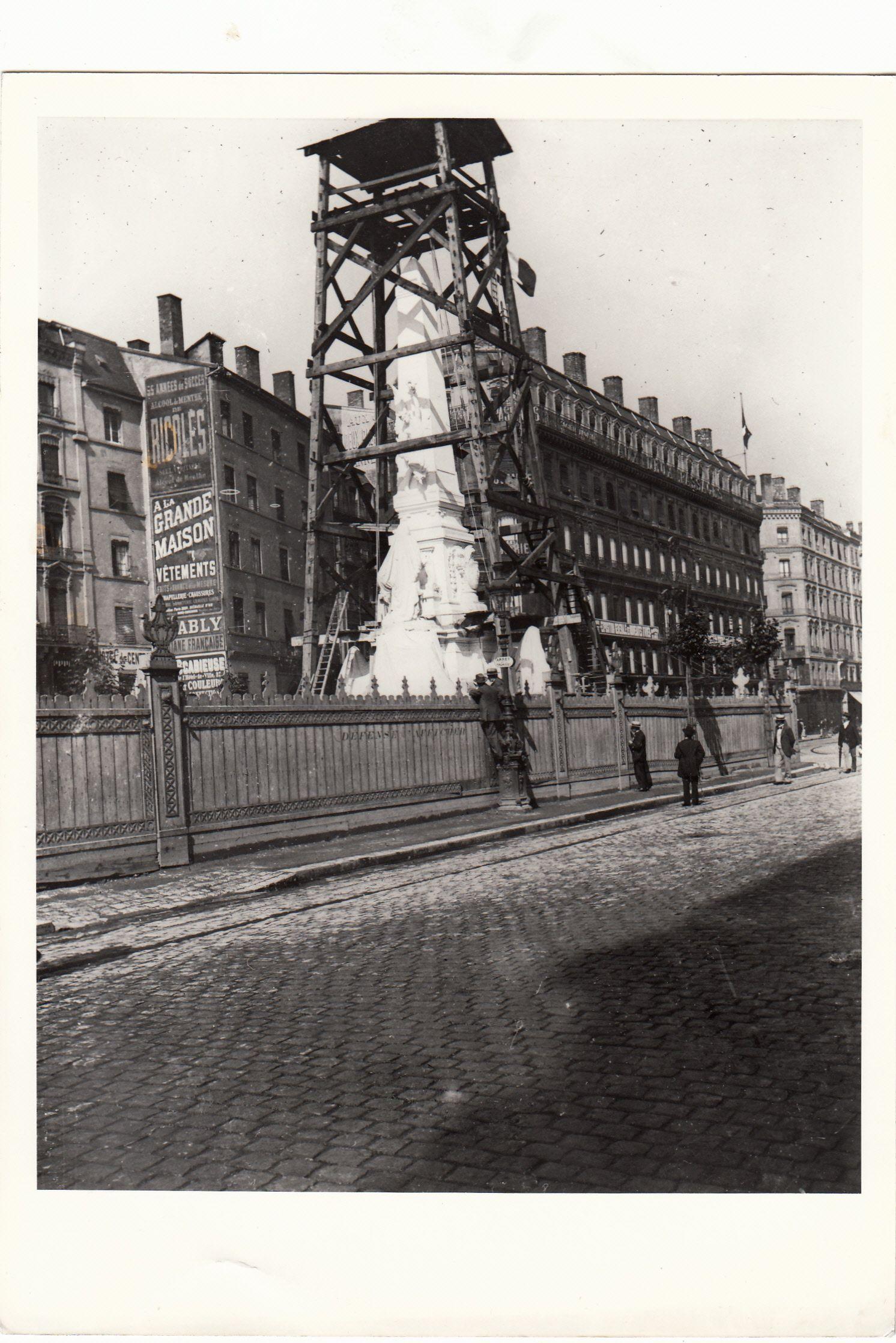 Lyon Place De La Republique Construction De La Statue Carnot