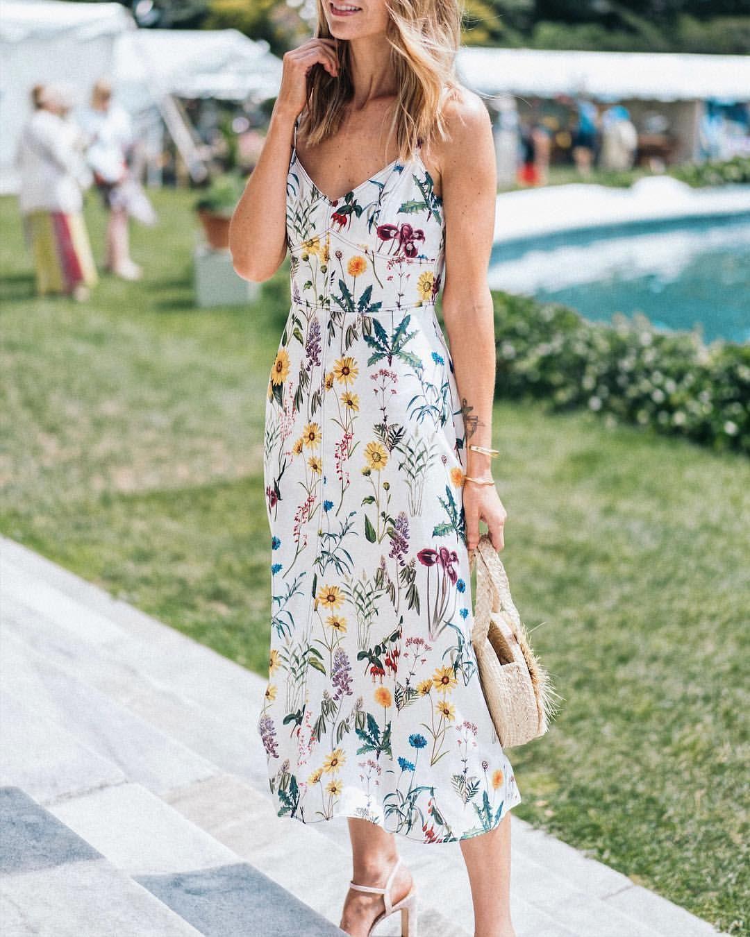 Beautiful Floral Maxi Dress For Summer Wedding Guest Dress Fashion Summer Wedding Outfits Dresses [ 1350 x 1080 Pixel ]