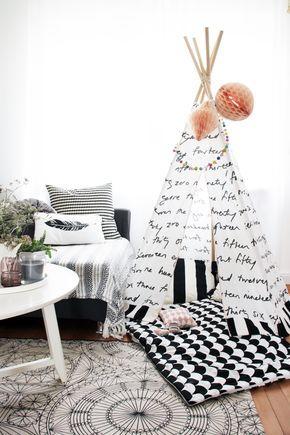 wohnen mit kindern ein diy tipi als spielecke im wohnzimmer kinderzimmer pinterest. Black Bedroom Furniture Sets. Home Design Ideas