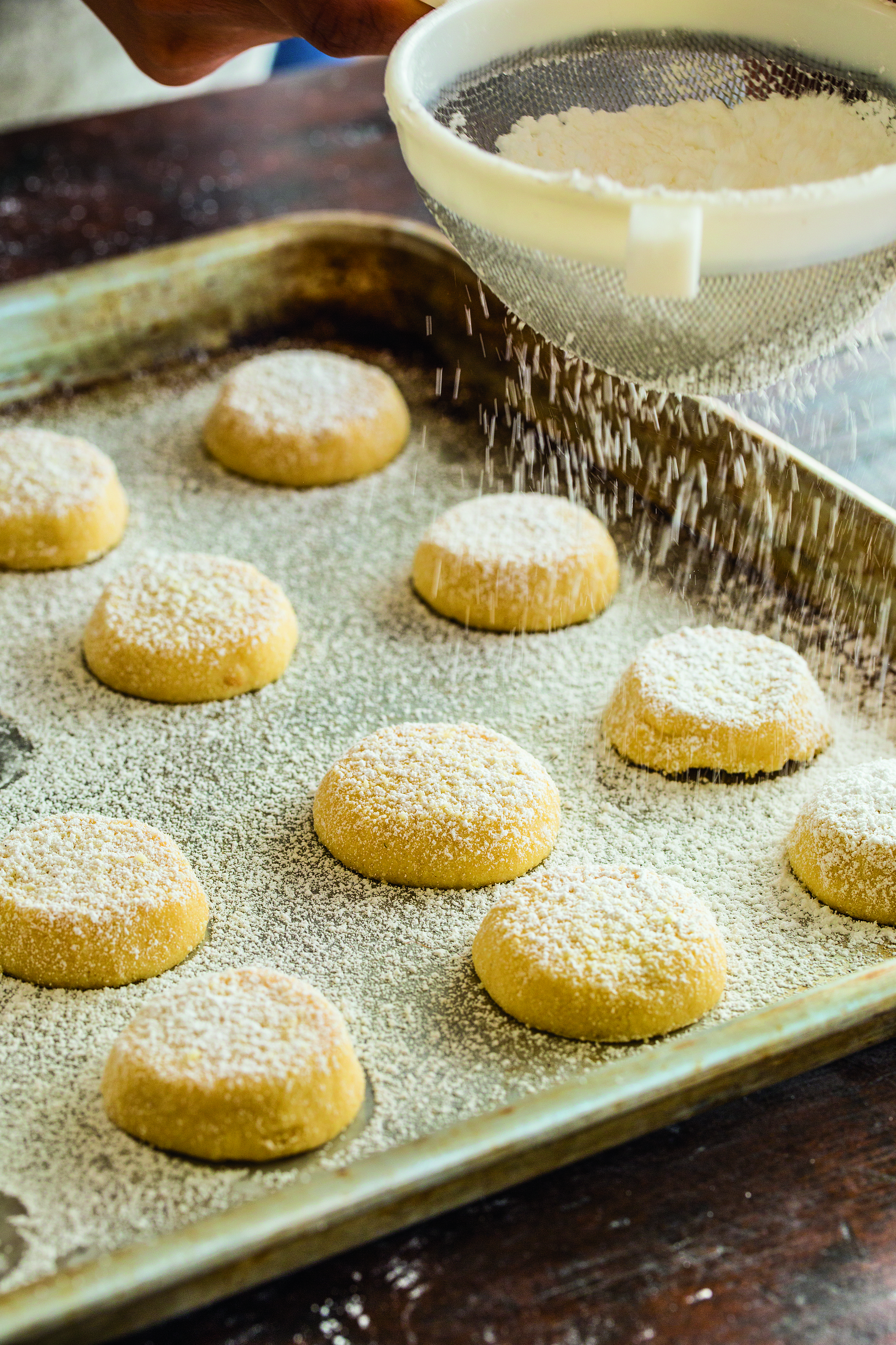 GREEK BUTTERALMOND COOKIES WITH OUZO Almond cookies
