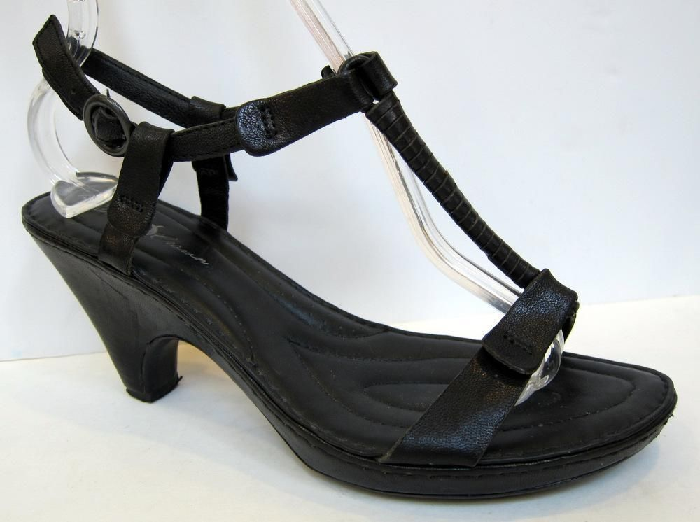 BORN Crown 'Alcala II' Black Leather T-Strap Sandal Size 40.5/US 9 #Brn #TStrap
