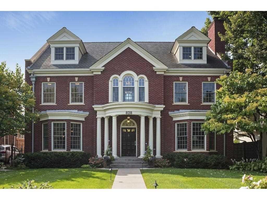 828 Summit Avenue Saint Paul Mn 55105 House Styles Victorian Homes House Exterior