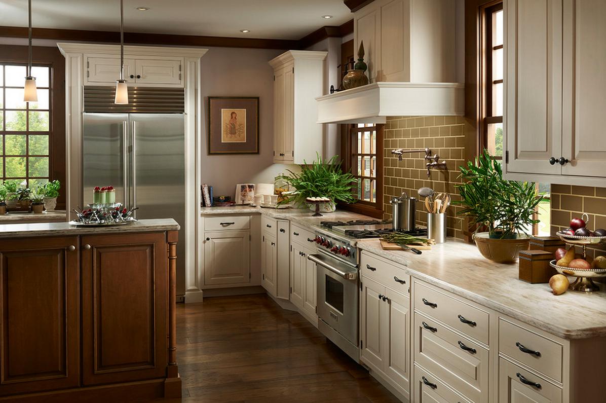 Homey Kitchen Warm Brown White Cabinets In This Homey Kitchen Spacefeatures