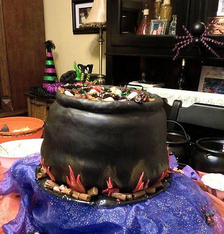 Halloween- Cauldron Cake Kimberly\u0027s Custom Cakes Pinterest - halloween birthday cake ideas