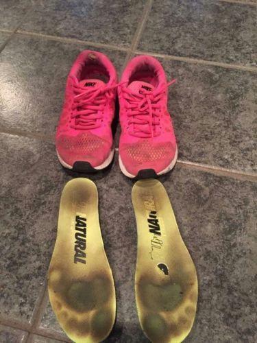 b515658ef1 Well Worn NIKE Women s Running Shoes