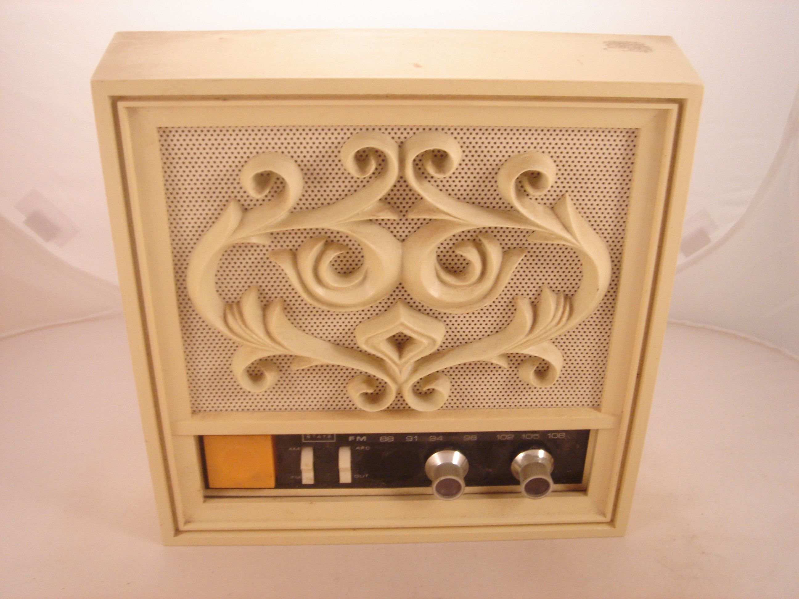 Vintage Silvertone Wall Mount Radio Retro Decor Decorative Boxes Decor