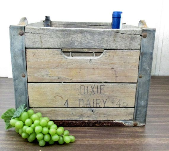Dixie Dairy Wood Milk Crate, Morehead City NC. Antique