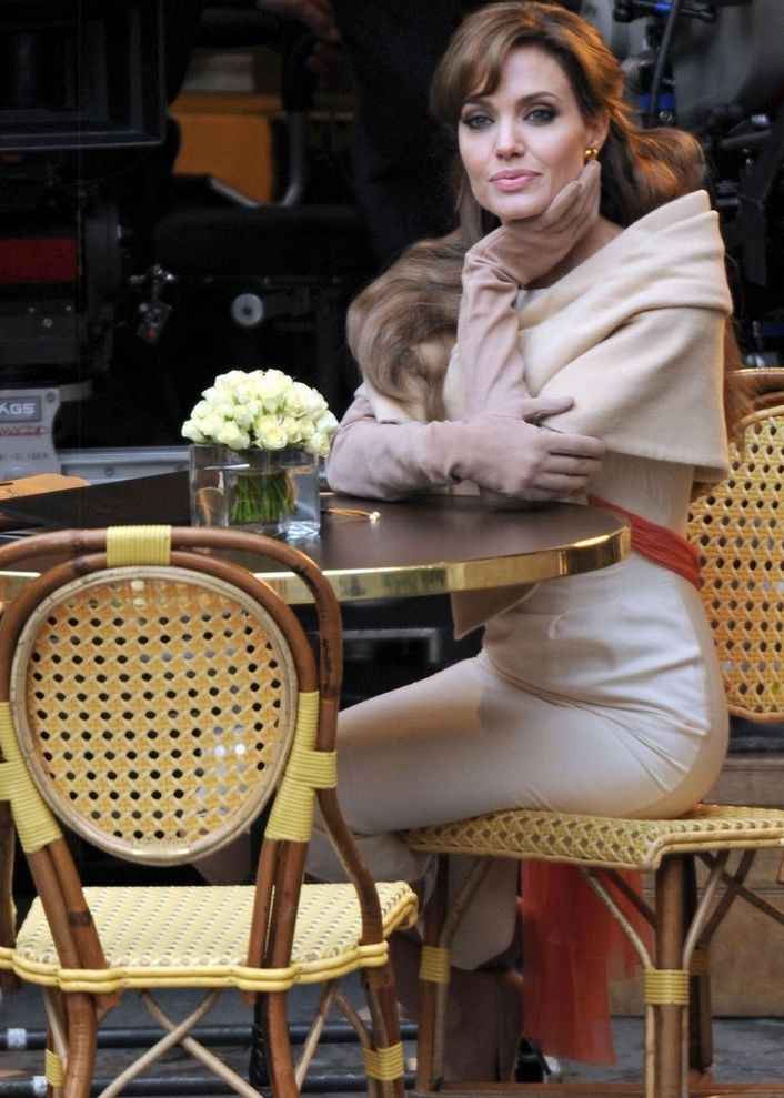 Angelina Jolie   Angelina jolie style, Angelina jolie, Angelina