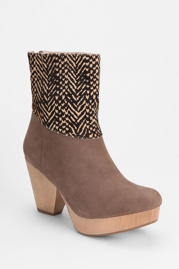 #fallfaves Urban Outfitters 80%20 Callie Wood Platform Ankle Boot. $234. @Ashley Urban Outfitters
