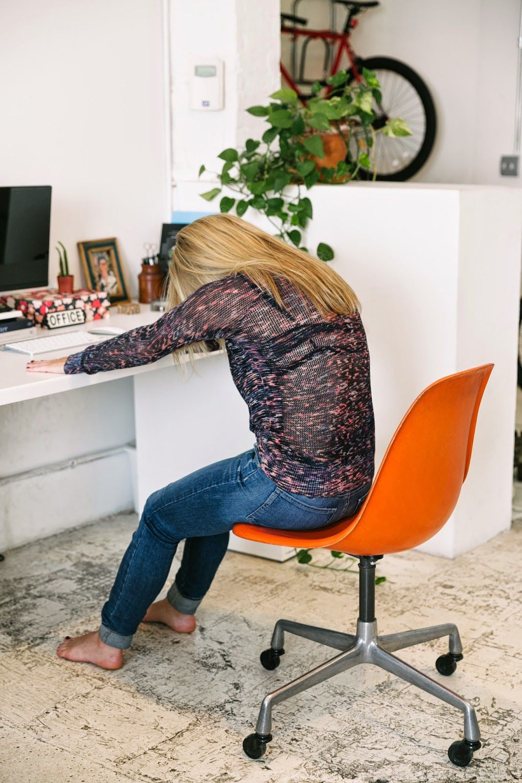 A CUP OF JO Six stretches for people who sit at desks