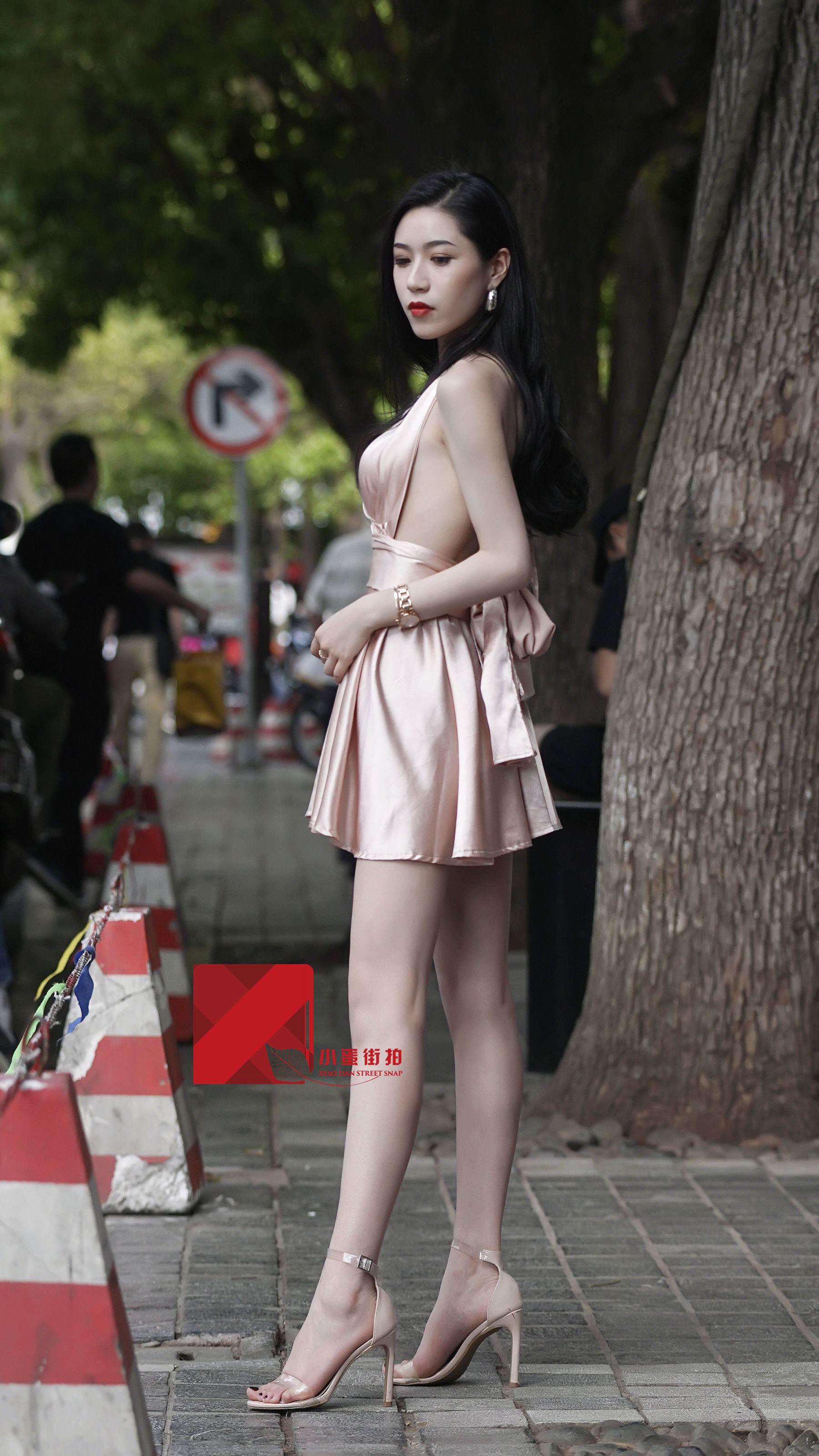 Chinese babe strip