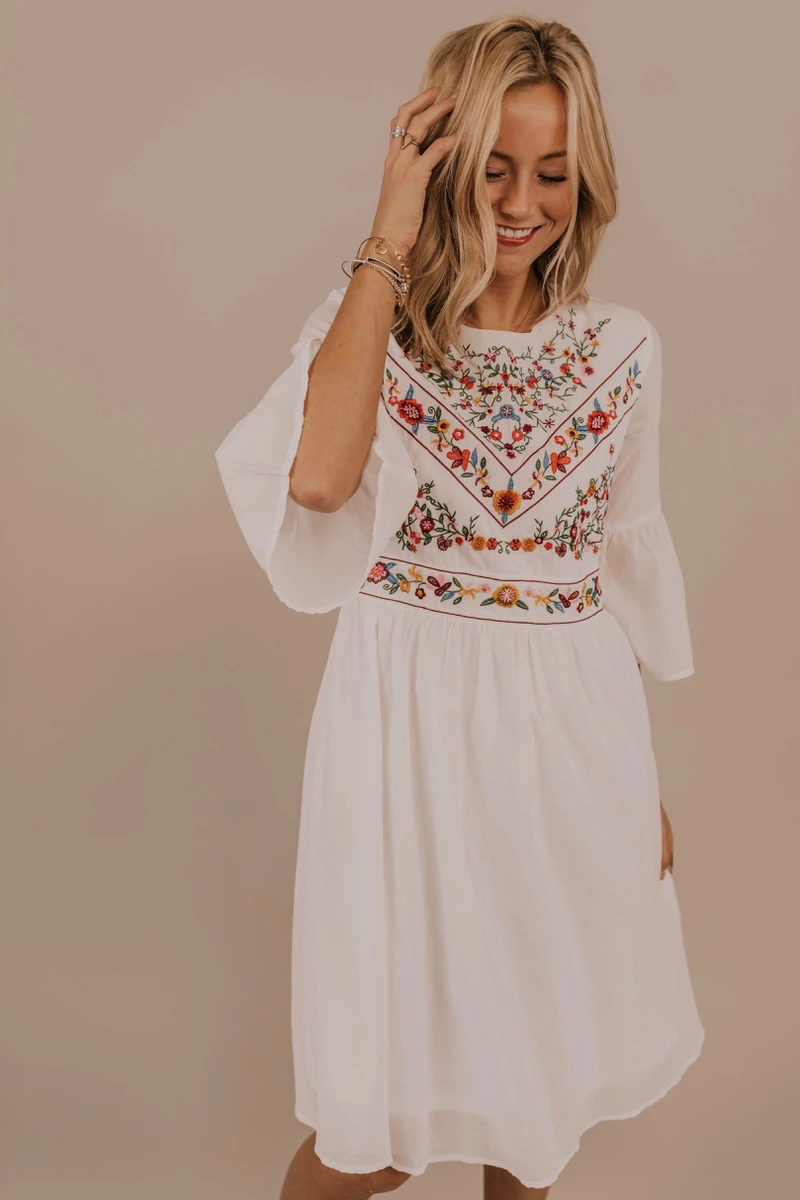 Beautiful Embroidered Dress This Modest Embroidered White Dress Features Elegant Floral Embroidery Det Modest Dresses Embroidery Dress Floral Embroidery Dress